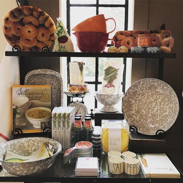 kitchen store display